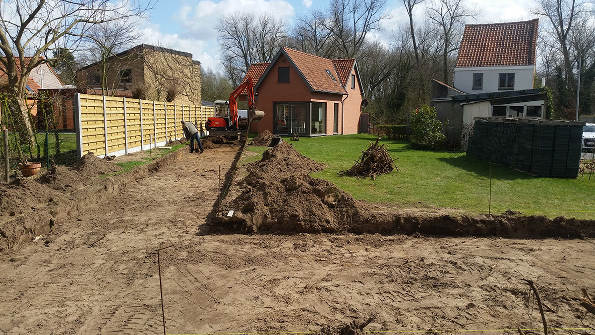 Uitgraven-tuinpad,-Stekene-3